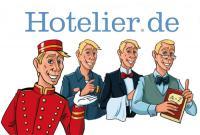 Die Boys von Hotelier.de: der Liftboy, Techniker, Kellner und Professor schmeißen den Laden!