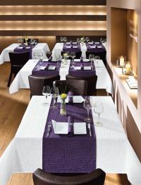 Tischwäsche CAJA Weiß-Violett / Bildquelle: Alle Hotelwäsche Erwin Müller