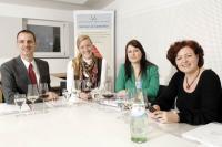 (von links nach rechts): Alexander Kohnen, Geschäftsführer/Gründer IWI, Jessica Kuhl, Projektleiterin, Kerstin Hellmich, Assistentin, Sabine Kaisers-Rehm, Sekretärin der Geschäftsführung. Bildquelle IWI