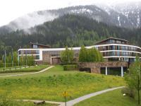 Schön eingebettet in das Berchtesgadener Land - das Luxushotel InterContinental Berchtesgaden / Beide Fotos © Sascha Brenning - Hotelier.de