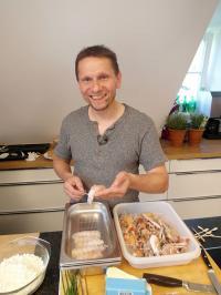 Ulrich Heimann als 'Hobbykoch Sepp' in 'Das perfekte Dinner' auf VOX und... / Copyright: VOX / ITV Studios