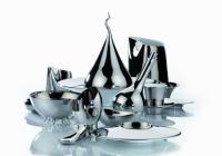 INTERGASTRA 2012: Auf Kundenwunsch beschichtet Zieher Porzellan großflächig mit Gold- und Platinfarben. Auch als Einzelstücke ziehen sie bei Tisch die Blicke auf sich