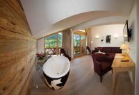 Hotel Kaiserhof Kitzbühel Juniorsuite Livingroom