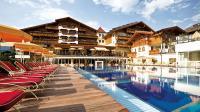 Blick auf das Aktiv & Spa-Resort Alpenpark / Bildquelle: Kaltschmid Hotels