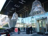 Eingangsbereich des Kameha Grand Bonn: Herzlich willkommen! / Bildquelle: Sascha Brenning - Hotelier.de