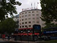 5 Sterne Luxushotel am Kurfürstendamm: das Bristol am Ku.- damm. Dieses Hotel war das erste Hotel in der Kempinski Saga
