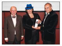 Prof. Axel Venn mit Sabine Kober und Norbert Kern (v.l.n.r.); Bildquelle Birgit Bielefeld