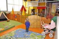 Spielzaun im Kleinkinderbereich mit Bauernhoftieren im SEP Gmunden; Bildquelle OBRA-Design