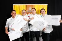 Die Finalisten: v.l.n.r.: Assistent Daniel Zahn, David Papin, Alexander Krob und sein Assistent Christoph Ranetbauer