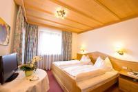 Ein Zimmer im Kräuterhotel Zischghof