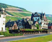 Krone Assmannshausen mit Weinbergen, Bikdquellen hotelbiz consulting