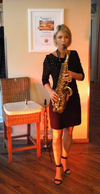 Überzeugte mit Sympathie und Saxophon-Walkact: Heidi Jantschik