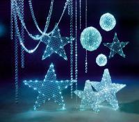 Dürfen in keinem Hotelfoyer oder Restauranteingang fehlen: Stimmungsvolle Weihnachtssymbolik mit LED gibt Räumen geheimnisvolle Charaktere: Bildquelle Deko Woerner