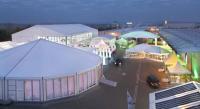 Das große Haupt- sowie das Abendzelt (links im Bild) der INTERTENT / Bildquelle: Alle Losberger GmbH