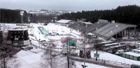 Das neue Biathlon-Stadion in Nove Mesto. Während des Weltcups wurde das Losberger VIP-Zelt entlang der Zielgeraden neben der Tribüne aufgebaut. / Photo: Christian Manzoni
