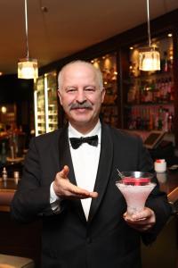 Fatih Akerdem mit dem so genannten Cocktail Chiller