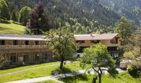 Um die Alte Tann und das Badehaus miteinander zu verbinden, wurde die Orangerie erbaut. Dazu wurde ein Anbau an die Alte Tann geschaffen, der sich mit der Orangerie auf einer Ebene befindet. Quelle: Tannerhof GmbH & Co. KG