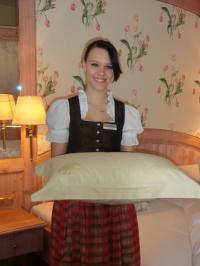 Das Wellness & Natur Hotel Schliffkopf setzt das  Verwöhnkonzept in Verbindung mit Ihrem Aufdeckservice um; Bildquellen Tarbeco