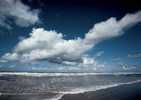 Langeoog mit Wolken und Meer / Bildrechte: TourismusMarketing Niedersachsen GmbH