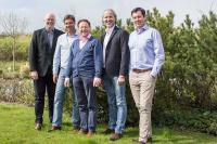 v.l.n.r.: Claas-Erik Johannsen/Benen-Diken-Hof, Dirk Erdmann/Hotel Rungholt, Rolf E. Brönnimann/BUDERSAND Hotel — Golf & Spa — Sylt, Holger Bodendorf/Landhaus Stricker, Robert Jopp/Fährhaus Sylt