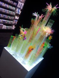 PAPSTAR auf der Barzone: Cocktail Gläser Turm; Bildquelle PAPSTAR