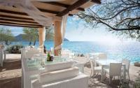 Im Port Verd del Mar sitzen Sie in der ersten Reihe: ob zum Cocktail im Beach-Pavillon