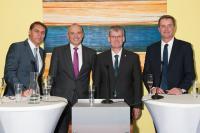 (v.l.n.r.): Moderator Raiko Thal, Geschäftsführer Jürgen Goerißen, Bezirksbürgermeister Helmut Kleebank, Professor Ulrich Nöth © centrovital