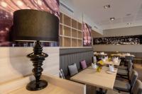 Markus-Diedenhofen Innenarchitektur hat das Restaurant hell und freundlich gestaltet, da vorwiegend Frühstücksgäste die Räumlichkeiten nutzen.