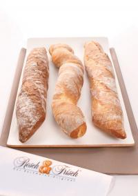 Jetzt ofenfrisch von Resch&Frisch: Rustikale Baguettes!