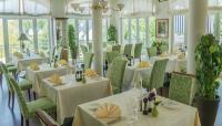 Restaurantbestuhlung von pemora im Resort Schwielowsee; Bildquelle pemora Ltd. & Co. KG