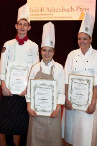 Die drei Sieger (v. l. n. r.): Ole Kurth, Christine Baumann und Nathalie Menges / Bildquelle: Alle Achenbach Delikatessen Manufaktur