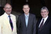 Prägten den SVG während bisher 33 Jahren: Walter Lott (SVG-Präsident 1989-1998), Thomas Loew (aktueller SVG-Präsident, gewählt 2007), Martin Würsch (SVG-Präsident 1998-2007) / Bildquelle: Marcel Studer, Salz&Pfeffer