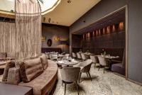 Neben dem Feinschmecker-Restaurant bietet das BEST WESTERN PREMIER Hotel Rebstock fein-fränkische Bistroküche im neuen Salon.