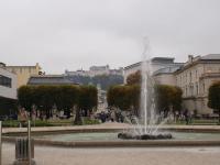 Der Mirabellplatz mit Blick auf die Festung Hohensalzburg