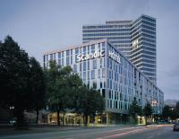 Das 4-Sterne-Hotel Scandic Hamburg Emporio liegt nur wenige Gehminuten von Innenstadt und Messe entfernt. Inmitten der Großstadt setzt das Hotel ein Zeichen in Sachen Nachhaltigkeit und Ökologie