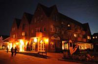 Das Haus bei Nacht - Bildquelle Hotel Seeblick Genuss und Spa Resort Amrum