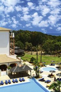 Umgeben von einem Pinienwald und direkt am langen Sandstrand der Costa de la Luz gelegen bietet das neue Sensimar Isla Cristina Palace & Spa alle Annehmlichkeiten für eine erholsame Zeit zu zweit