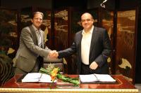 © Philipp Cassis, Sun Resorts Limited und Greg Dogan (v.l.n.r.), Shangri-La Hotels and Resorts