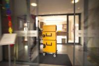 Speisentransportbehälter beim Rollen, Bildquellen LUCHS GmbH