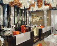 """Mit im Luftzug säuselnden Muschellampen und stylishem Interieur präsentiert sich das """"Vila real"""" in zeitgemäßem Look"""