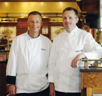 Zwei kreative Küchenchefs, die mit guten Ideen die kulinarische Seite des Hotels nachhaltig prägen: Andreas Klatt (rechts) und Jürgen Kloester