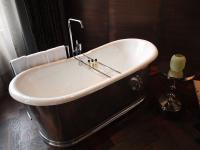 Freihstehende Hotelbadewanne im Stue: für die schönen Momente im Leben
