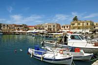 Alte Liebe: Die griechischen Reiseorte wie der Fischerhafen von Rethymnon auf Kreta bleiben trotz Schuldenkrise und ihren Folgen bei den Bundesbürgern beliebt. TUI weitet 2012 das Angebot an Hotels und Flugkapazitäten deutlich aus