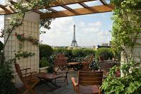 Dachlounge im Hotel Raphael, Paris / Bildquelle: Alle The Leading Hotels of the World