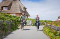 Radelspaß an der Nordsee Schleswig-Holstein - Rechte: nordseetourismus.de / Carlos Arias Enciso
