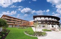 Travel Charme Ifen Hotel von außen / Bildquelle: Travel Charme Hotels & Resorts AG