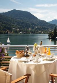 Seehotel Überfahrt: Frühstück mit Aussicht; Bildquellen hier und Bilder unten: Althoff Hotel & Gourmet Collection