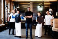 Wer wird VEGA Champion? Die Sieger des Team-Wettbewerbs reisen nach Berlin und kochen mit TV-Sternekoch Andi Schweiger / Foto: VEGA
