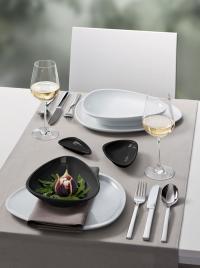 Außergewöhnliches Design - die Porzellan-Serie Islands holte zwei internationale Prämierungen: den iF product design award 2013 und den Award im Wettbewerb Gute Gestaltung 12 des Deutschen Designer Club (DDC)