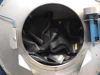... kommt in die Waschmaschinen (hier Fußmatten)...